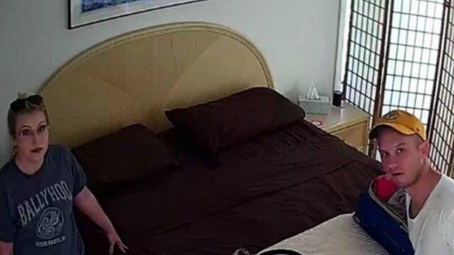 Arrestan a un casero de AirBNB por instalar una cámara oculta en un dormitorio