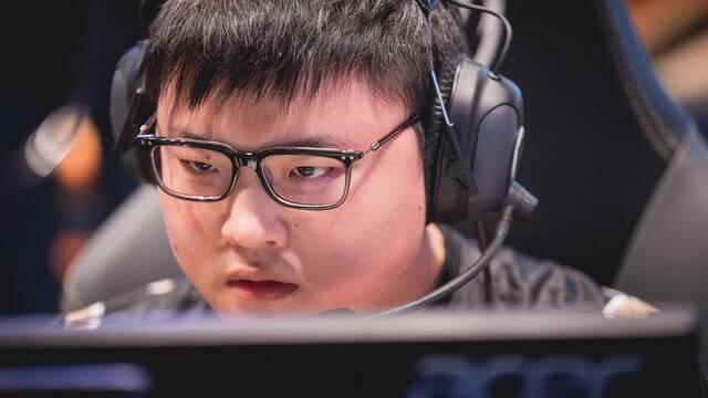 SK Telecom T1, Longzhu, RNGU y Team SoloMid lideran los Worlds tras su primera semana