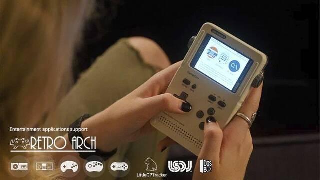 GameShell, la portátil inspirada en Game Boy que te dejará jugar a Doom
