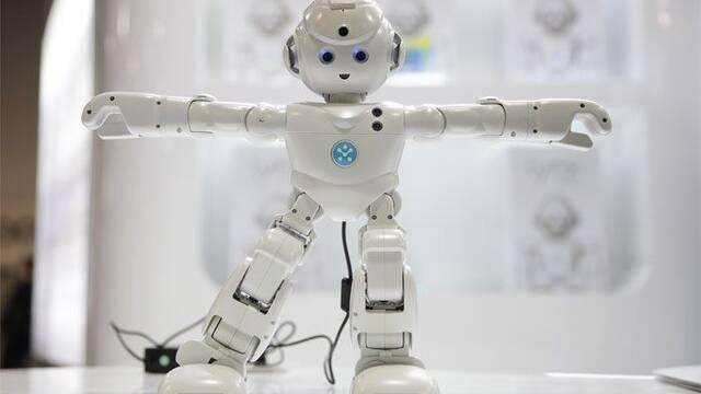 Lynx, el robot humanoide con Alexa incorporado