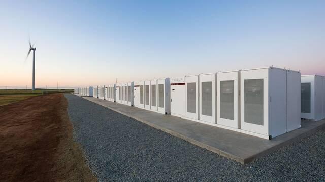 Tesla ha construido en 100 días la batería más grande del mundo