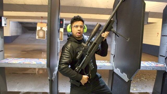 Los jugadores de OpTic Gaming disparan armas típicas de Call of Duty en la vida real