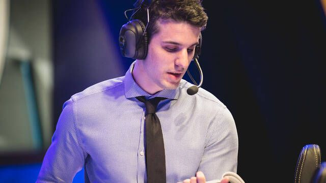 Dylan Falco se convierte en el nuevo entrenador del equipo de League of Legends de Fnatic