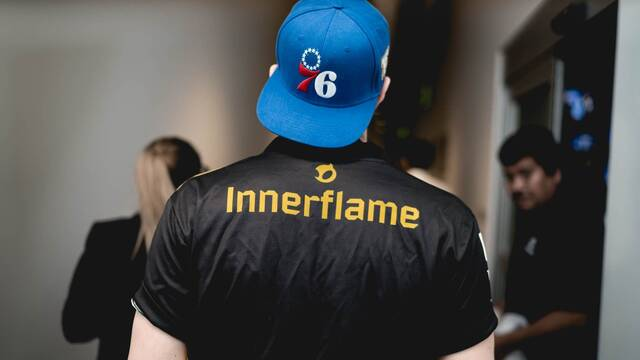 El mánager de Team Dignitas abandona el club