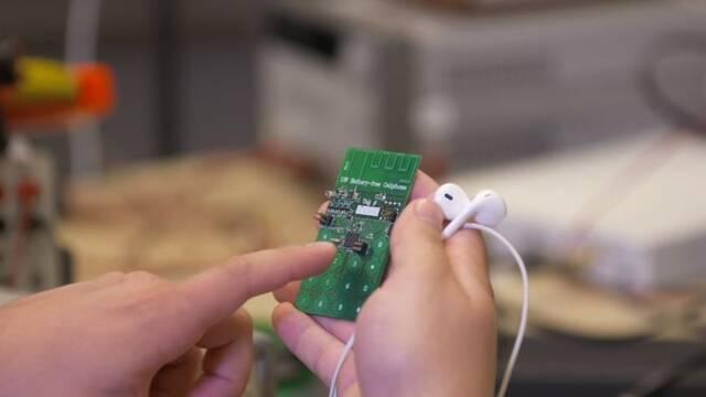 Llega el primer teléfono móvil que funciona sin batería