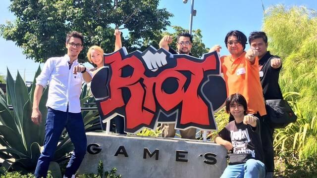 Los creadores de Dragon Ball FighterZ visitan las oficinas de Riot