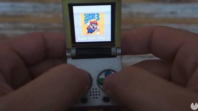 Diseñan una Game Boy del tamaño de un llavero