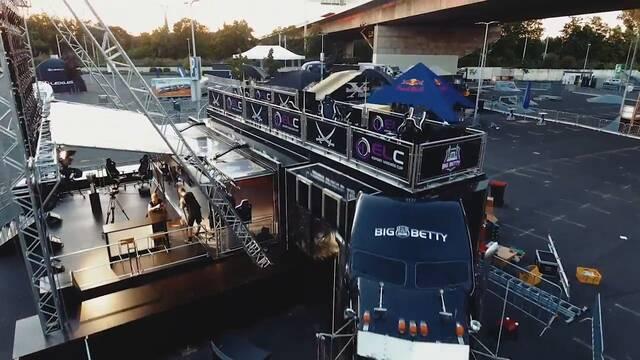 Big Betty, un camión que se transforma en un escenario para eSports