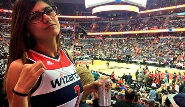 Ex-actriz porno Mia Khalifa propone 'esto' para influir en NBA 2K18