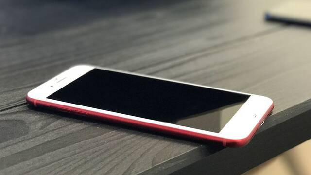 Apple deja entrever que lanzará un nuevo teléfono en septiembre