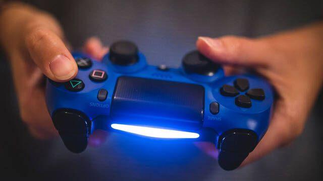 Hackean las redes sociales de PlayStation y aseguran haber hecho lo propio con PlayStation Network