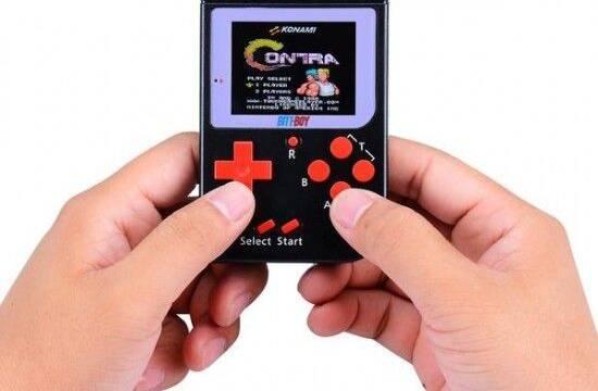 Bittboy, la consola portátil retro más pequeña para los amantes de Nintendo