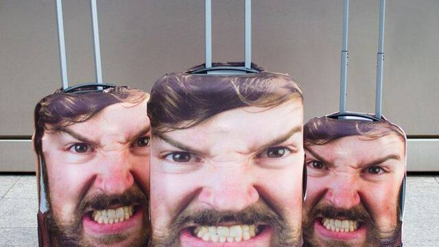 Imprime tu cara en tu maleta para evitar robos y aterrorizar a tus enemigos