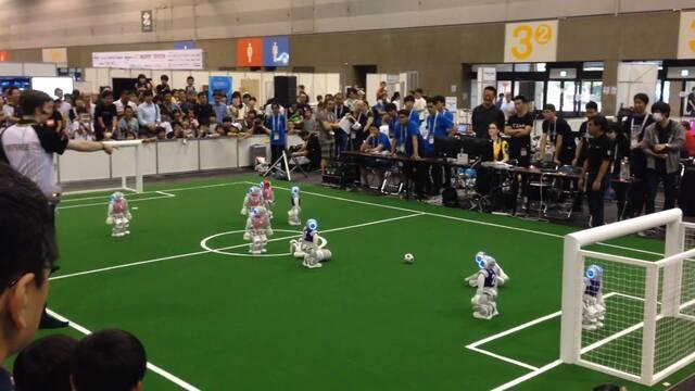 Estos torpes robots futbolistas quieren competir contra humanos en 2050