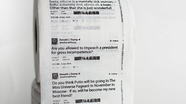 Venden papel higiénico con los tweets de Donald Trump impresos