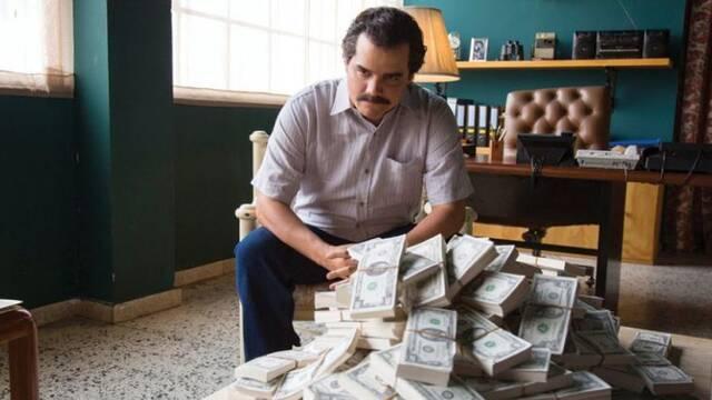 El hermano de Pablo Escobar pide 1.000 millones a Netflix