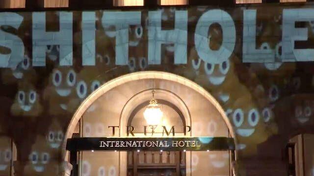El Trump International Hotel aparece con insultos en su fachada