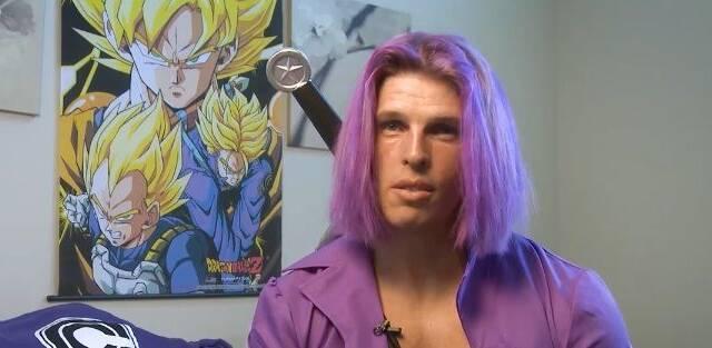 Un hombre se atreve con el desafío de parecerse a Trunks de 'Dragon Ball'