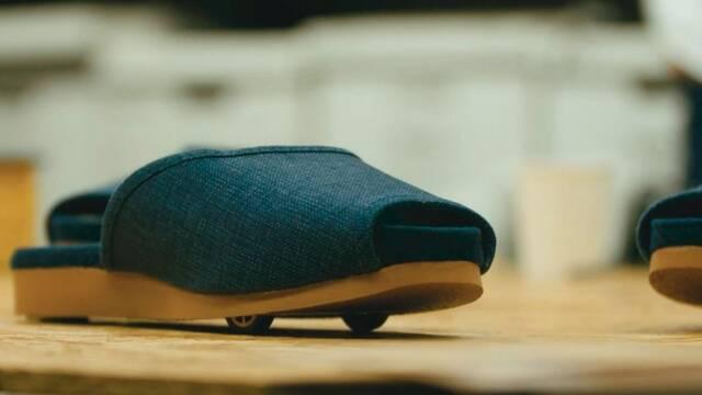 """Nissan inventa unas zapatillas que se """"aparcan"""" solas a la puerta de casa"""