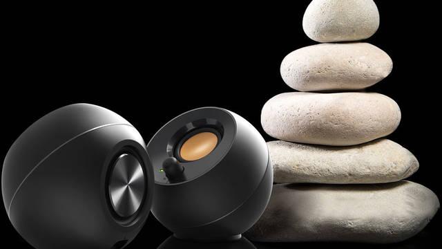 Creative anuncia Creative Pebble: altavoces de escritorio pequeños y elegantes