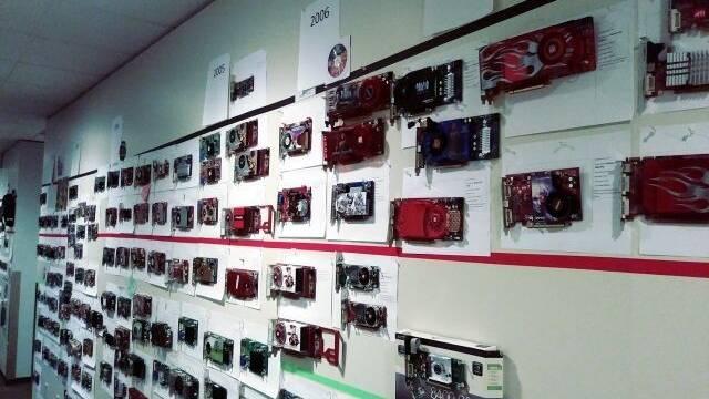 Así es el muro de Microsoft que repasa la historia de las tarjetas gráficas