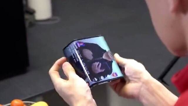 Xiaomi nos muestra en vídeo su primer teléfono con pantalla plegable