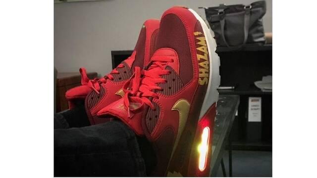 El director de 'Shazam!' muestra sus increíbles zapatillas