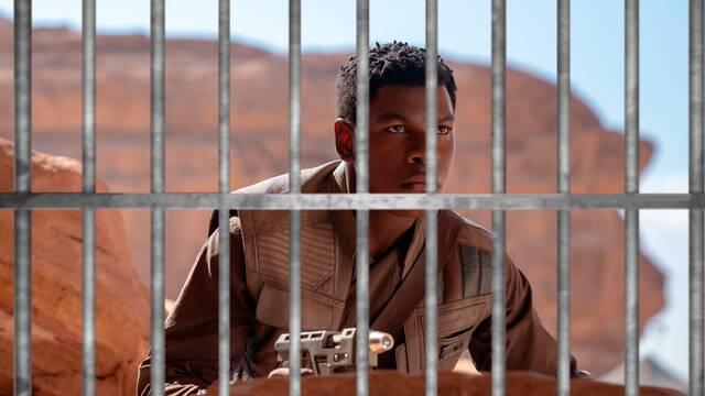 Star Wars: John Boyega cree que la saga es 'una cárcel de lujo' para los actores