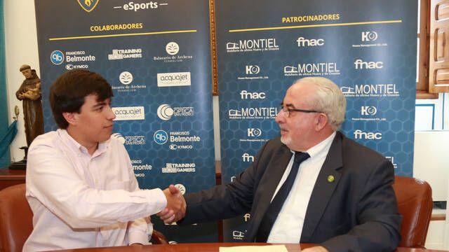 Gravesen_1 se convierte en el primer deportista de esports becado en la Universidad Católica de Murcia