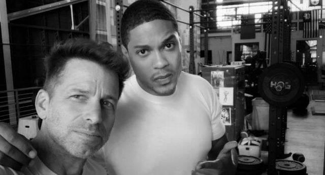 Ray Fisher, Cyborg, comparte una foto con Zack Snyder