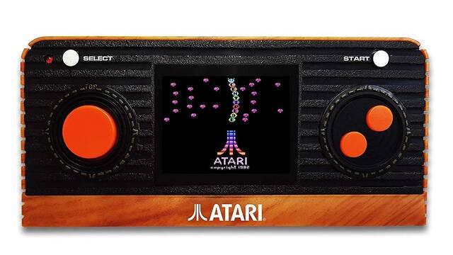 Atari presenta su nueva portátil retro y un joystick Plug & Play