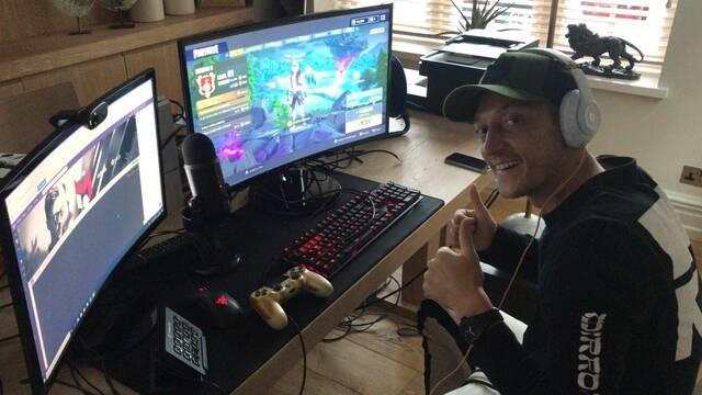 Özil se convierte en streamer de Fortnite