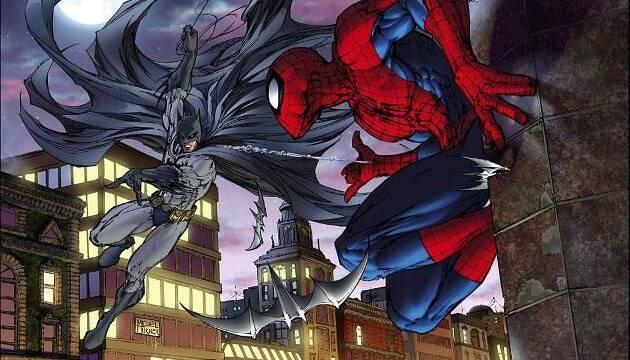 Neymar se tatúa a Batman y Spider-Man en la espalda