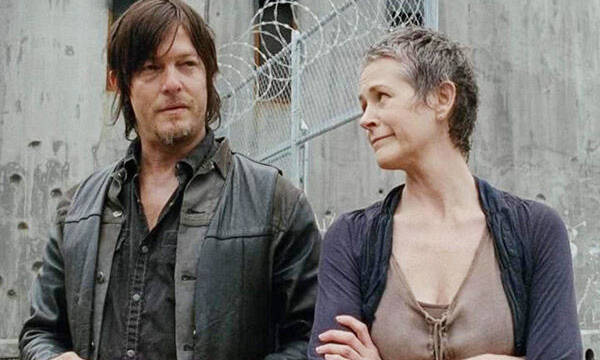 'The Walking Dead' no descarta el romance entre Carol y Daryl