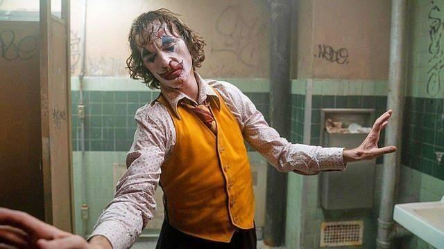 Desatan el pánico en una proyección de Joker para robar a los asistentes