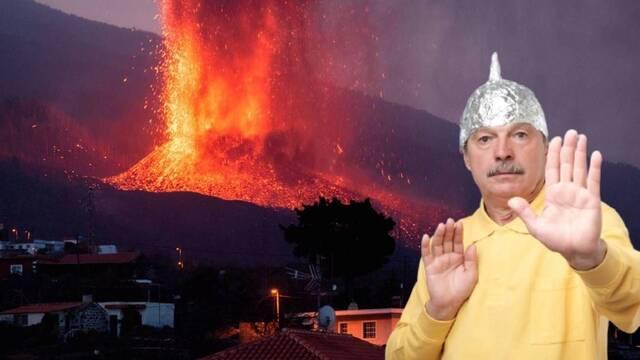 Al volcán de La Palma también le salen negacionistas en redes sociales