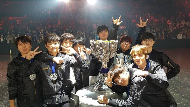 SK Telecom T1 añade nuevos jugadores a su plantilla tras ganar el mundial de League of Legends