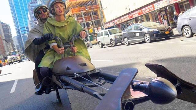 Diseñan su propia moto deslizadora de Star Wars por Halloween