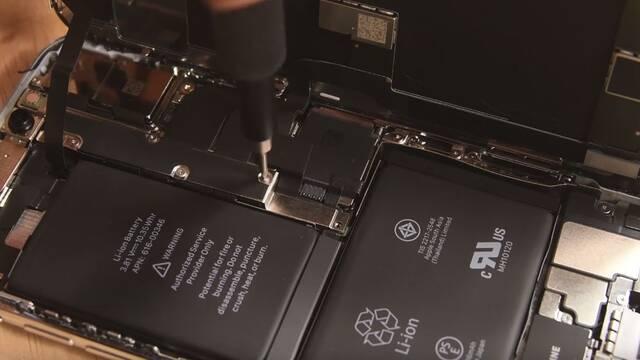 El iPhone X tiene dos baterías para aprovechar mejor su espacio