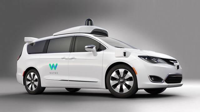 El primer coche sin conductor circula por las calles de Phoenix