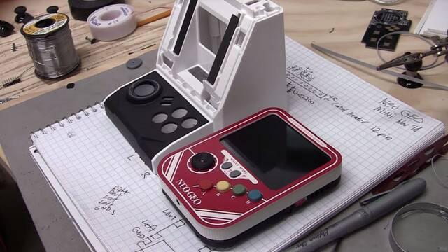 Convierten la Neo Geo Mini en una consola portátil
