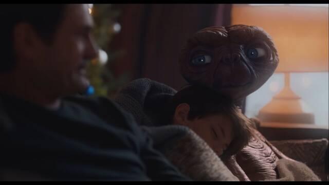 E.T. el Extraterrestre regresa con esta bonita campaña navideña