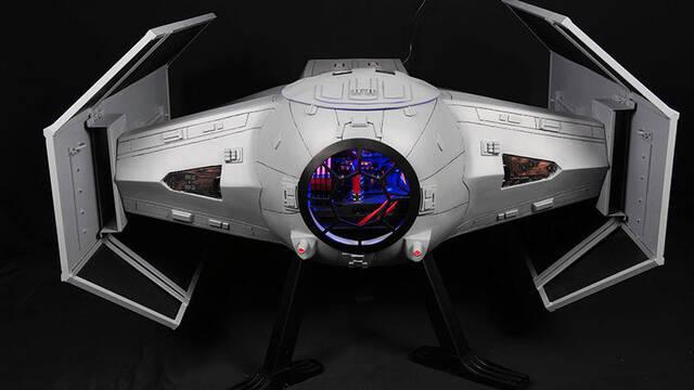 Convierten un TIE Fighter de Star Wars en un increíble ordenador para jugar