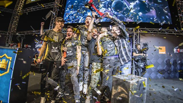 Huntters  eSports, campeones de la Superliga Orange de Clash Royale