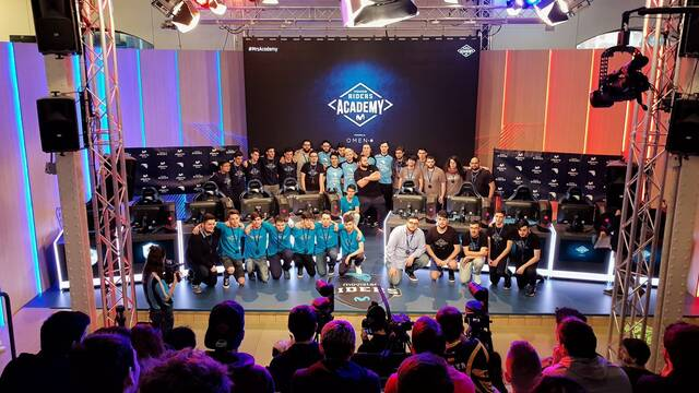 La final de League of Legends Movistar Riders Academy alza al 'centro'