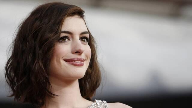 Anne Hathaway podría unirse a la película de 'El Barrio Sésamo'