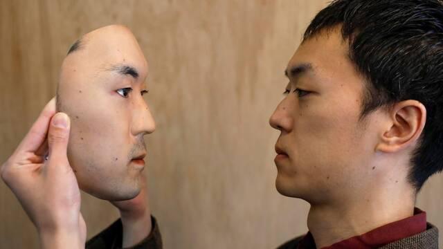 Así es la máscara hiperrealista que aterra en redes sociales