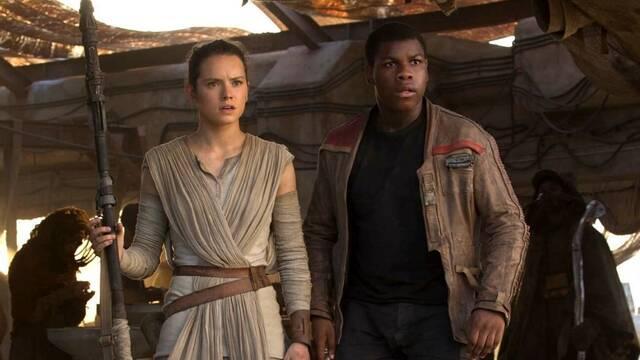 Star Wars: Alan Dean Foster, novelista de la saga, critica la relación de Rey y Finn