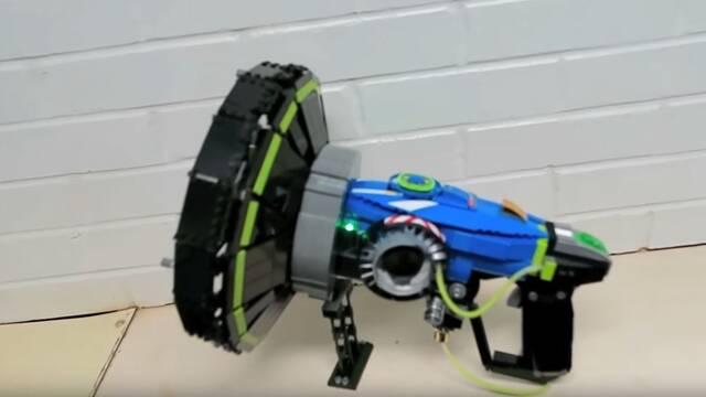 Utilizan más de 800 piezas de LEGO para construir el Amplificador Sónico de Lucio