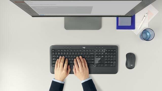 Logitech MK540, el combo de teclado y ratón inalámbricos con una autonomía de 18 meses a 3 años
